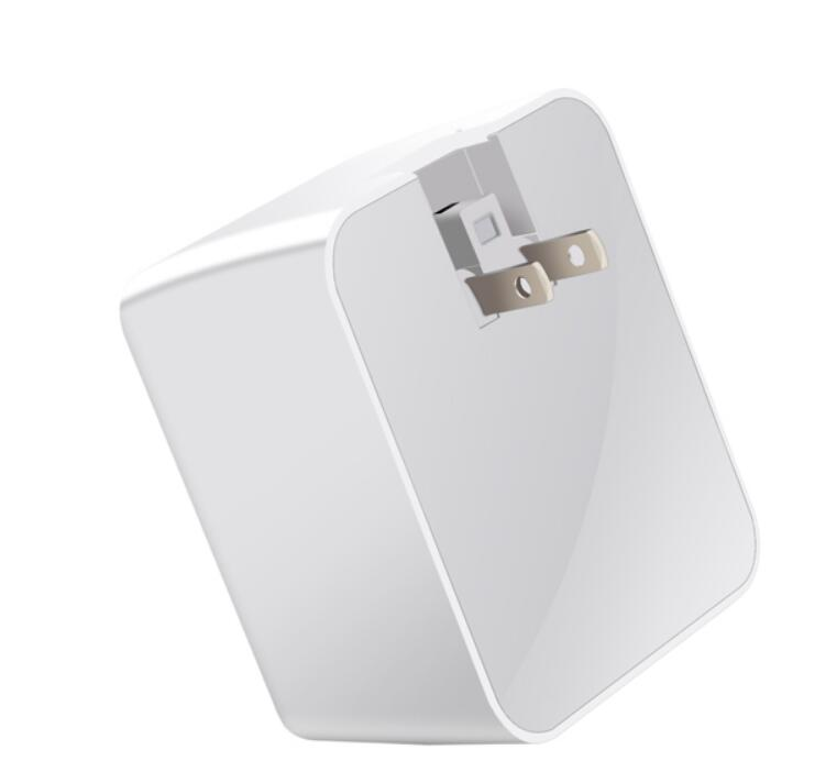 Universal 30W USB Quick Charger 5V 6A QC 3.0 for iPhone Fast charging 3 USB Ports with Type C Port for Oneplus For Xiaomi Phone